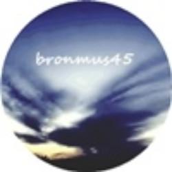 bronmus45